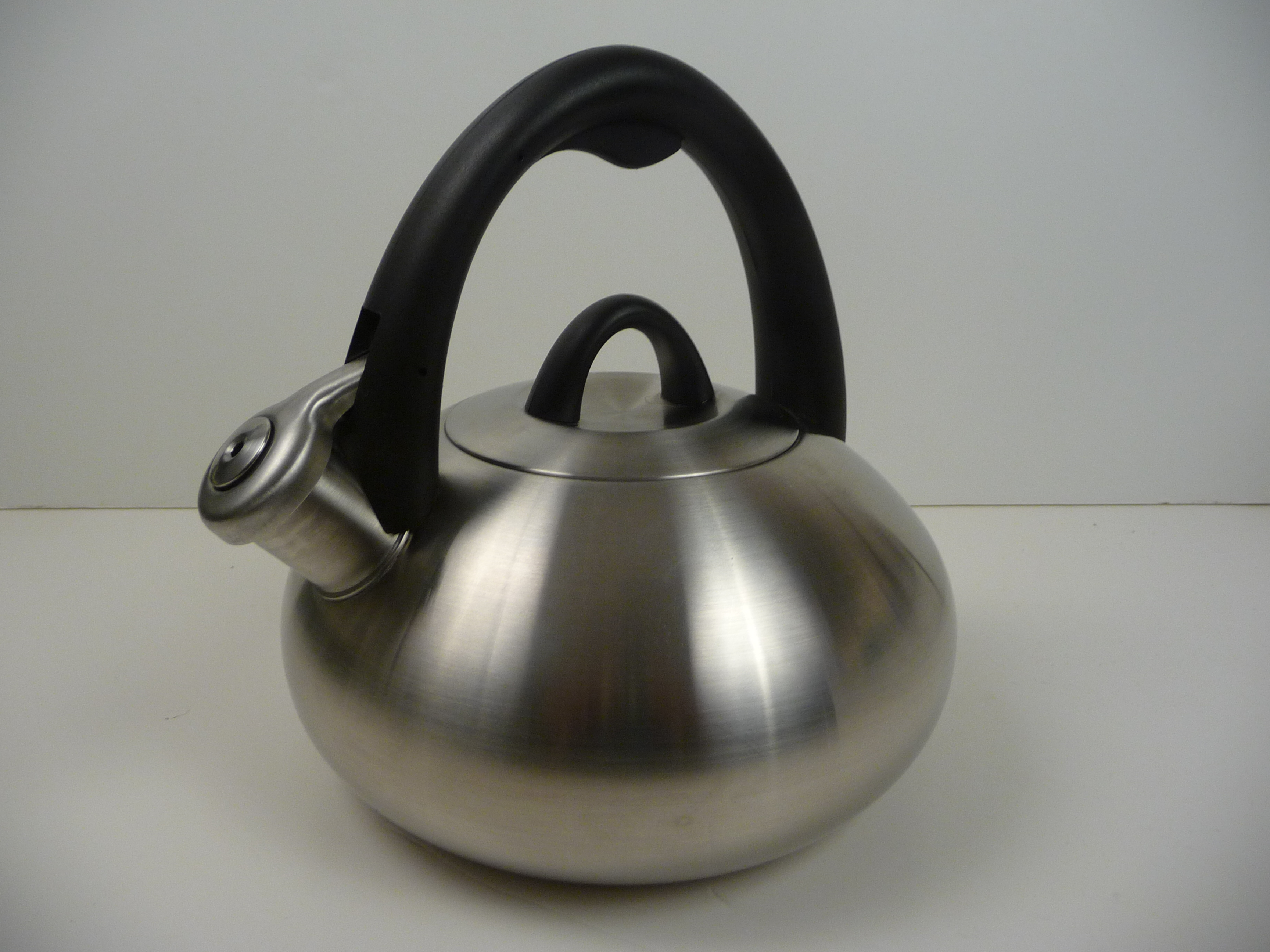 Best Teakettle – Calphalon – Stainless Steel Tea Kettle with Superior Human Design